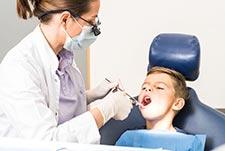 Kariesprophylaxe für gesunde Zähne - Zahnarzt-Zentrum Hiltrup