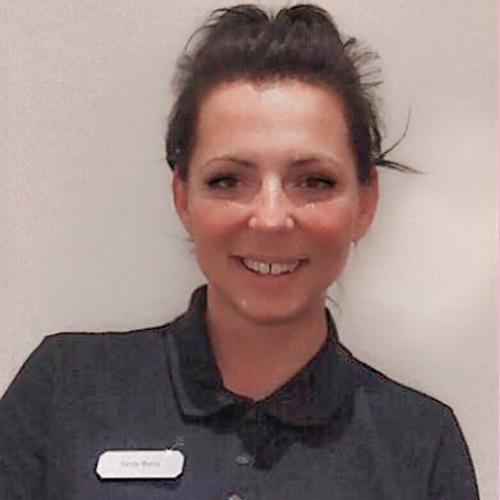 Frau Sandy Balog Mitarbeiterin der Zahnarztpraxis Wilser in Bielefeld